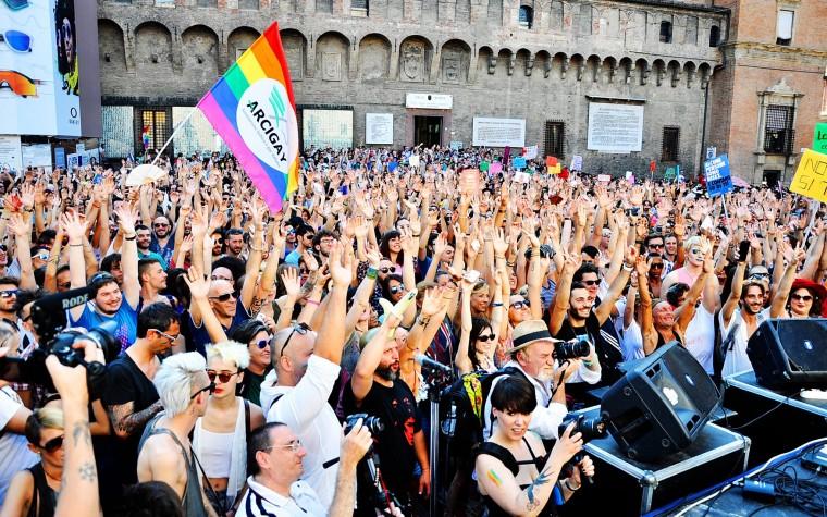 Contribuisci al Bologna Pride… fantastiche ricompense per te!